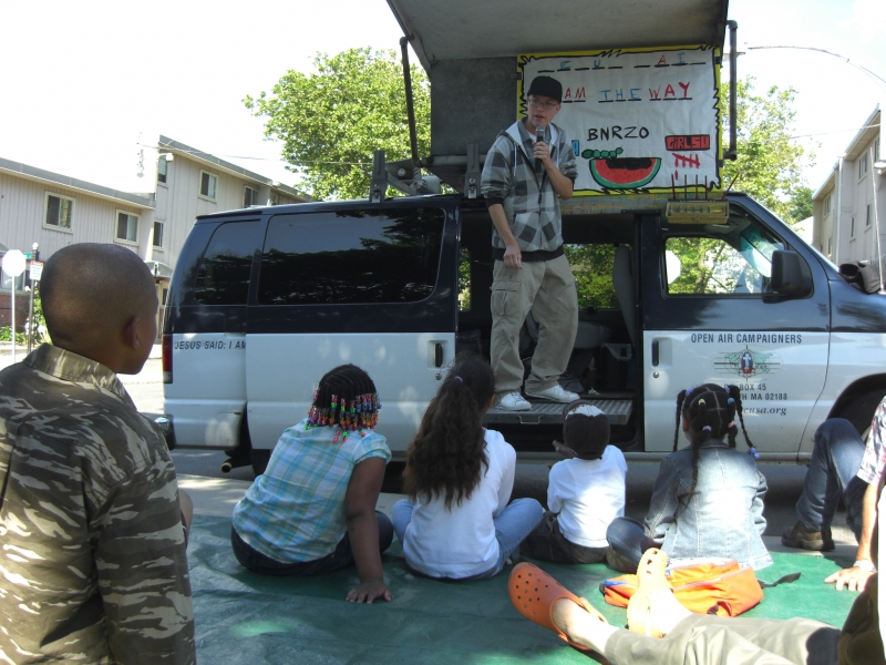 Amos gets to lead his hangman from the van! I wanted to try that!